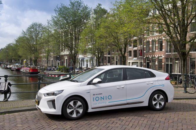 Hyundai-IONIQ-Car-Sharing-Amsterdam-666x444