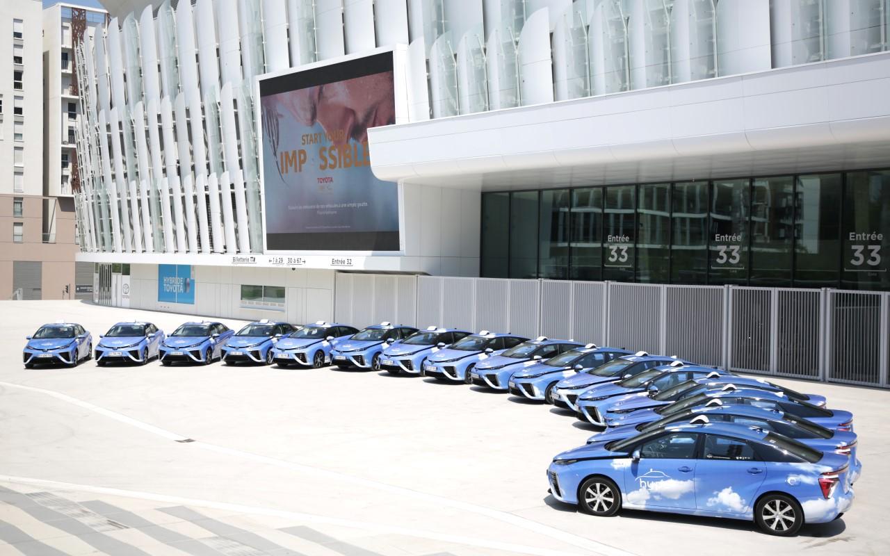 Toyota_Mirai_-_HYPE_taxi_4