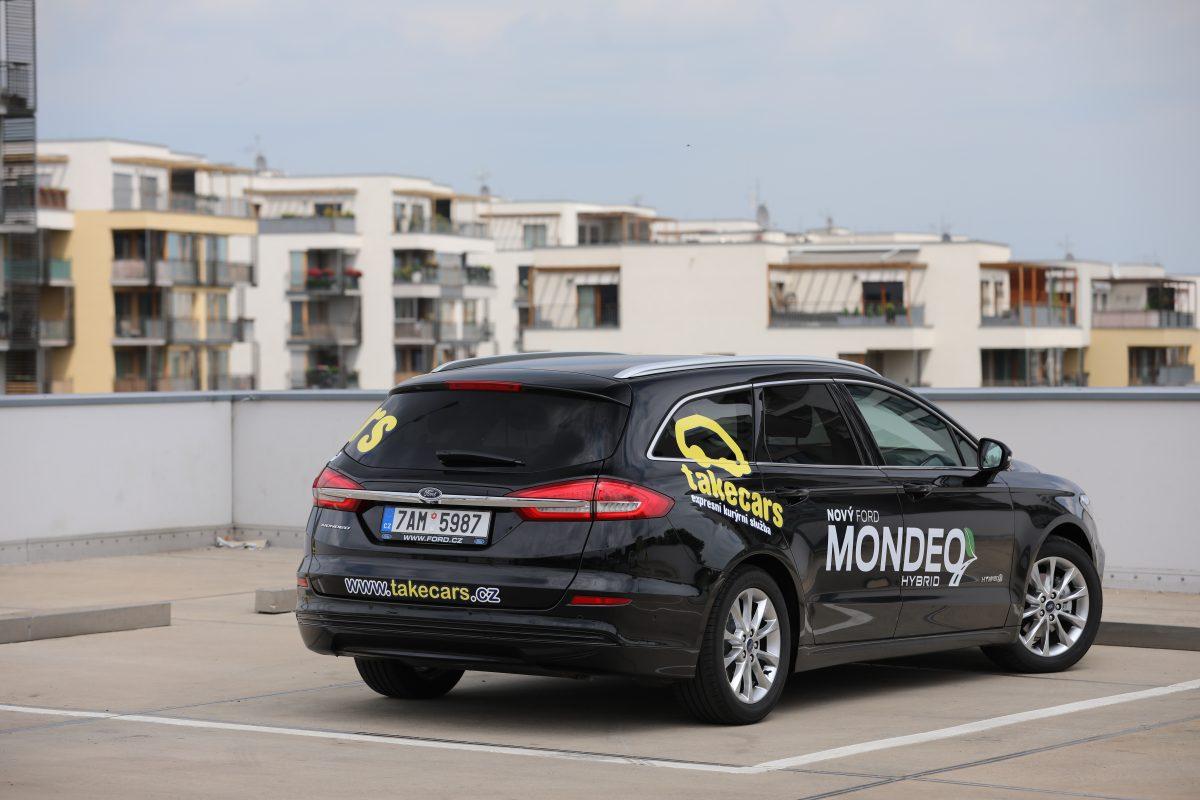 ford-mondeo-hybrid-kombi-2