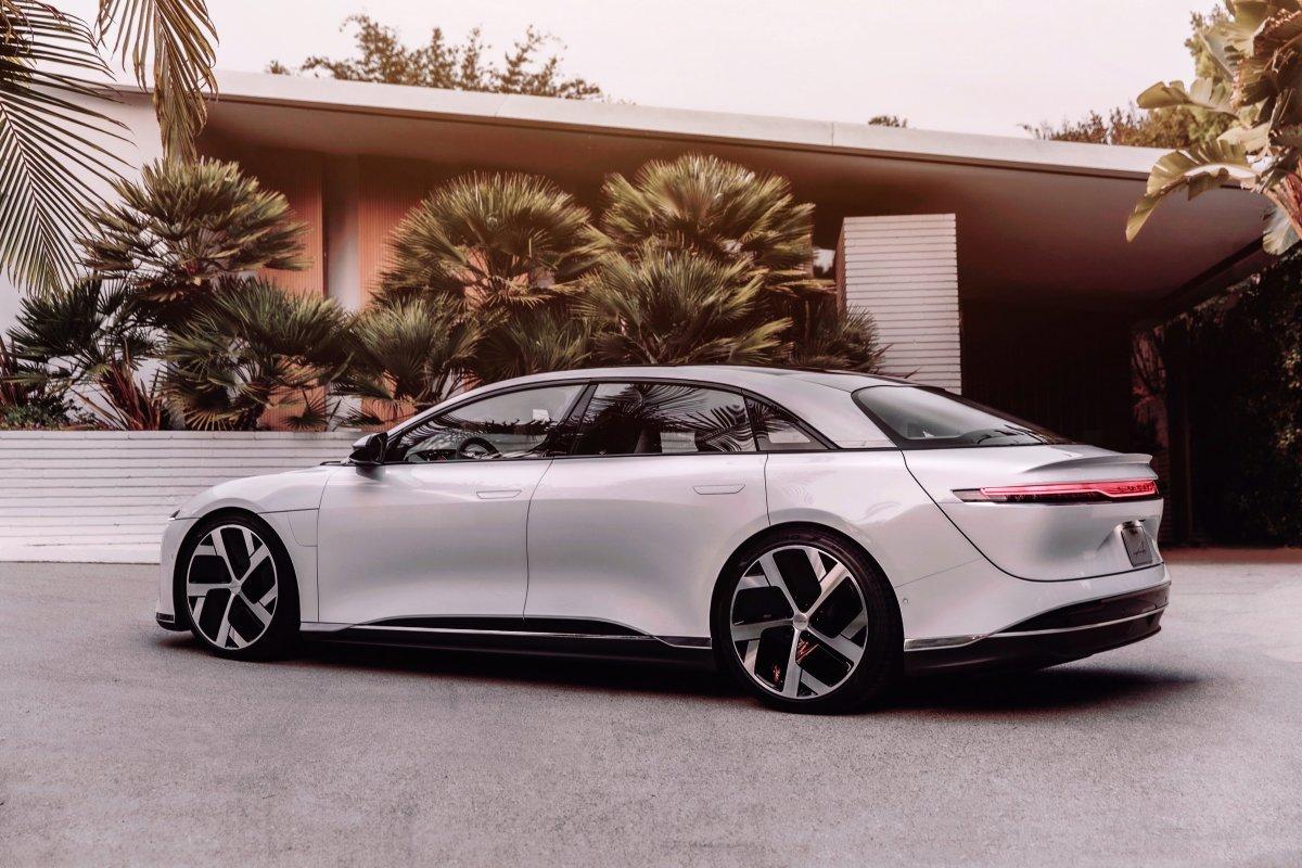 2020-elektromobil-lucid-air-8